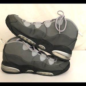 NIKE AIR UPTEMPO Men's Size 10, Gray Silver
